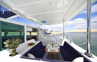 Catamaran-lagoon-421-cockpit ex