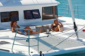 Catamaran-lagoon-421-sailing3