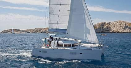Catamaran-Lagoon_400_sailing