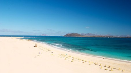 Kitesurf and surf Cruise Canary Islands Fuerteventura-corralejo